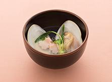 蛤と花生麩のすまし汁